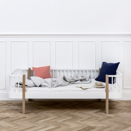 Wood Oliver Furniture Bettsofa - weiß mit Elementen aus Eiche