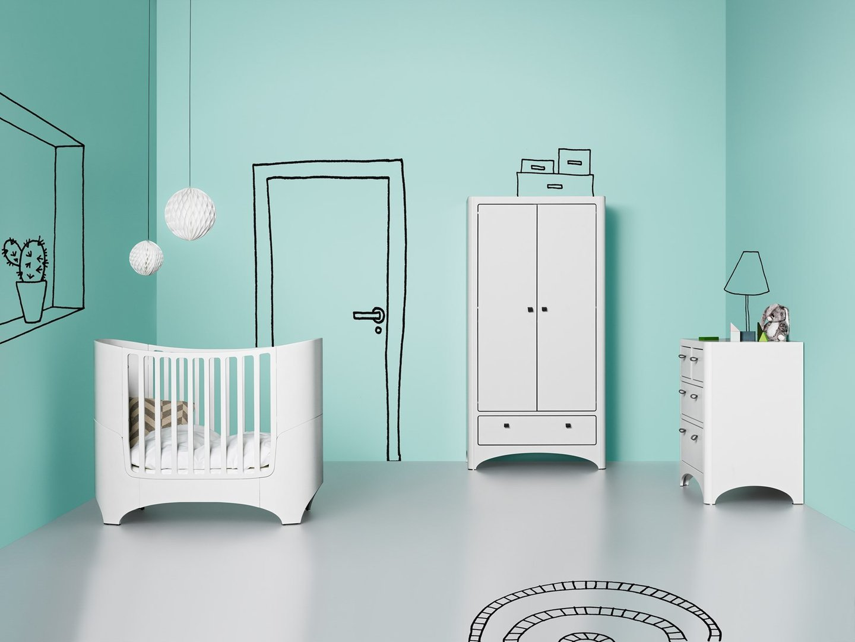 Leander Baby- und Juniorbett + Kommode in weiß lackiert - www.kids ...